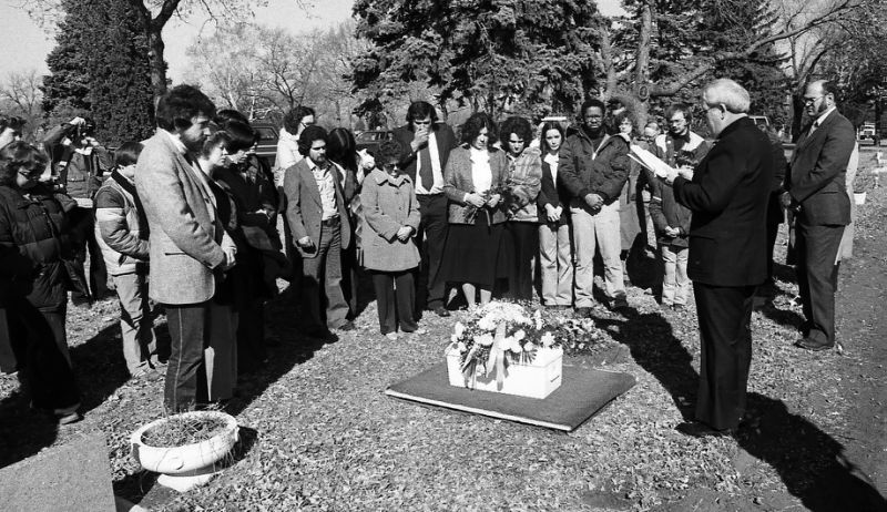 Mourners gather to bury Andrew John Doe on March 7, 1981, in Sioux Falls, S.D. (Argus Leader via AP)