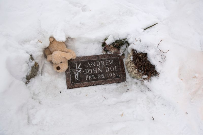 The grave of Baby Andrew John Doe, an infant who was found dead in a ditch in 1981 in Sioux Falls, S.D. (Loren Townsley / Argus Leader via AP)