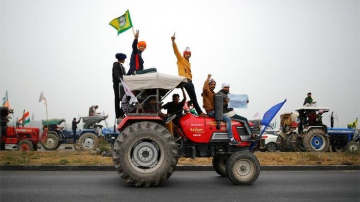 Farmers participate in a tractor rally to protest against the newly passed farm bills at Singhu border near New Delhi, India, January 7, 2021.